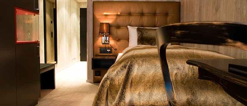 Hotel Grischa, Davos, Graubünden, Switzerland - single bedroom.jpg